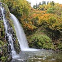 白銀の滝:滝壺から