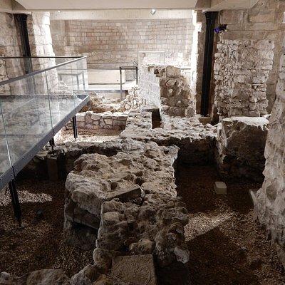 Tratti di mura della basilica paleocristiana