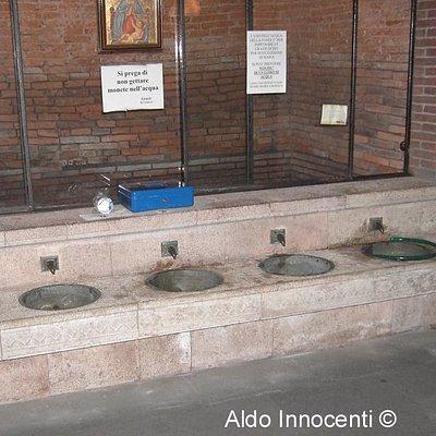 Basilica di Santamaria di Fontebuona: la fonte