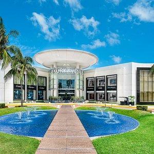 Luxury Avenue Boutique Mall Cancun