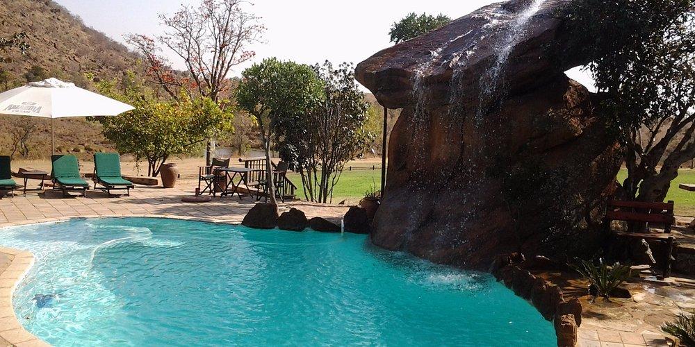 Relaxing pool side at Isiyala Lodge