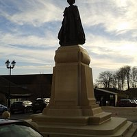Queen Mothers Statue in Queen Mother Square - Poundbury