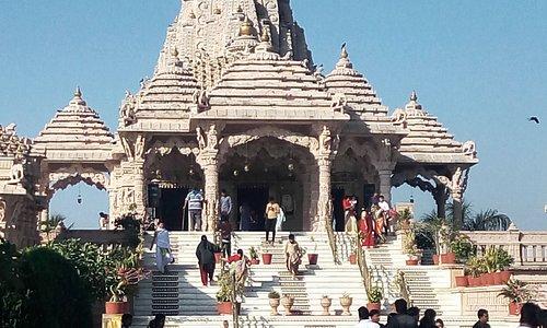 Pava Puri Tirth Dham Jain Temple