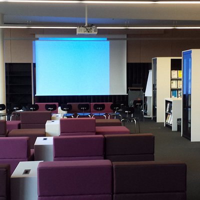 The newspaper reading room with presentation space.