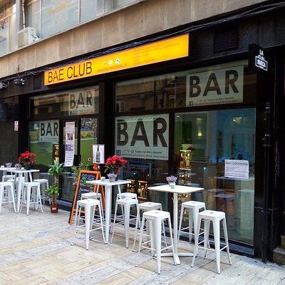 BAE CLUB - Nuevo Bar de Copas y Sala de Eventos Culturales - c/Sánchez Madrigal,6 (junto a Plate