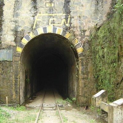 Es una de las entradas del tunel