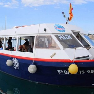 Comfortable dive boat. Also ideal for try dives and snorkeling trips.