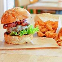 Bamburger, fries & chicken bites :-))