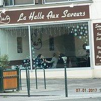 photo du restaurant vu de la  halle au fromage