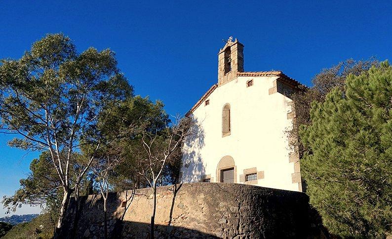 Ermita de Sant Sebastià (Vilassar de Dalt) Fachada principal.