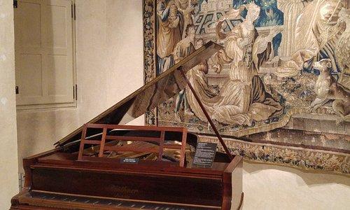 Le piano de Debussy au musée Labenche
