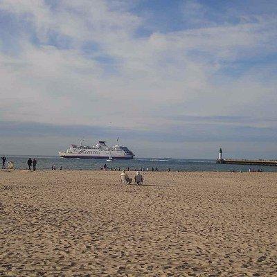 plage et ferry