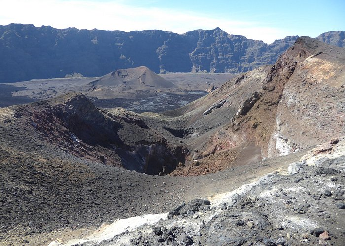 recent craters at Pico Pequeno