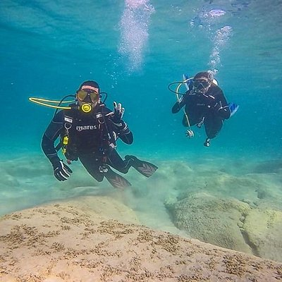 Diving Puerto Rico's warm waters!