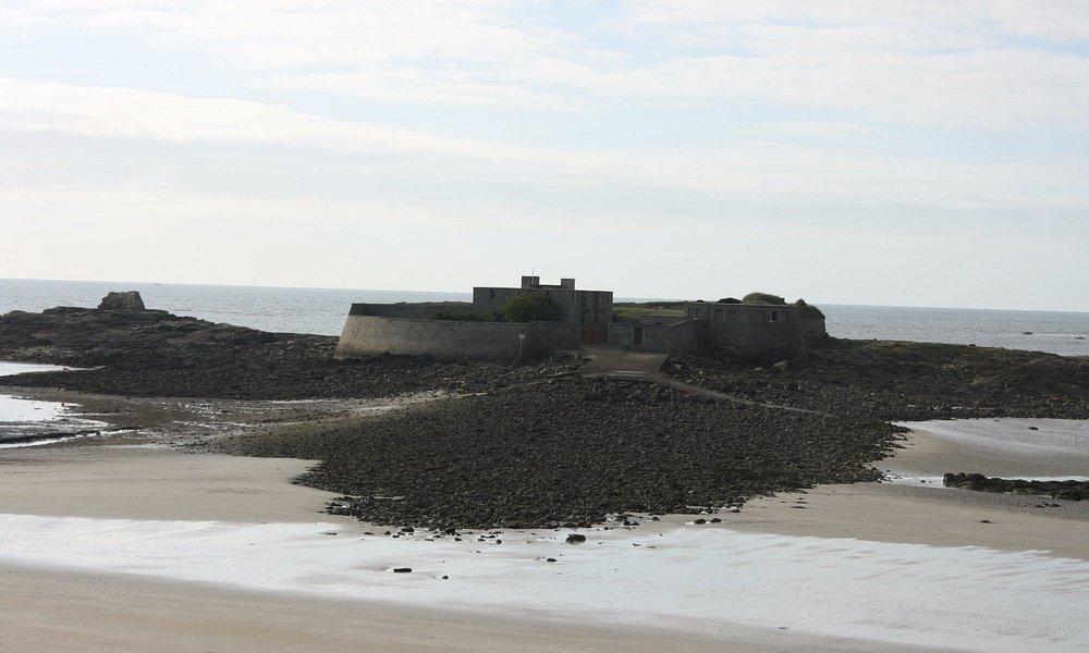vorgelagerte Festungsruine