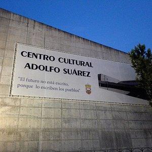 Centro Cultural Adolfo Suárez