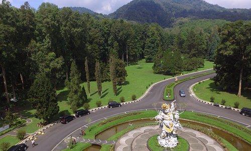 Aerial photo of the Bali Botanic Garden and Kumbakarna-Laga statue