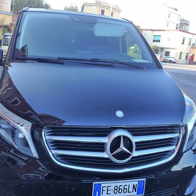 Mercedes Class V , one of the best van thet PTT can suggest to book . Brand new !!