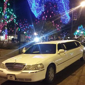 Holiday Light Tour in a Limo | Mirage Limousines