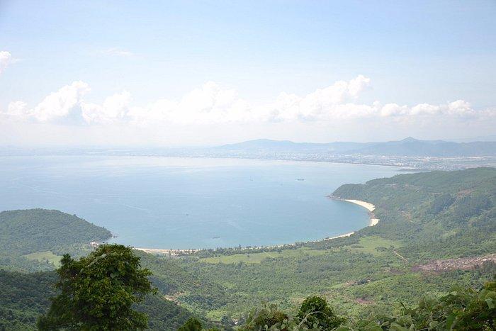 Getting Hai Van pass before reaching Lang Co beach