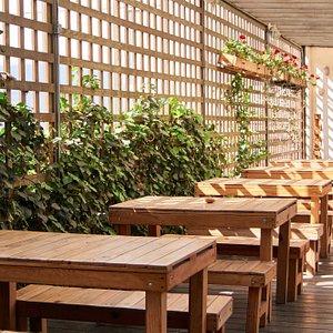 Las terrazas más tranquilas y hermosas para comer algo delicioso y beber una cerveza o un café.