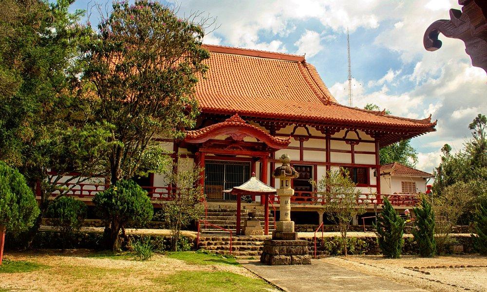 porta de entrada ao templo budista