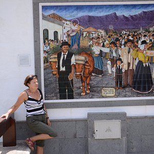 Przy muralu