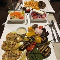Calamari und Bifteki waren super