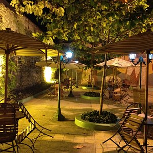 Restaurant La Yagruma frente a la Alameda