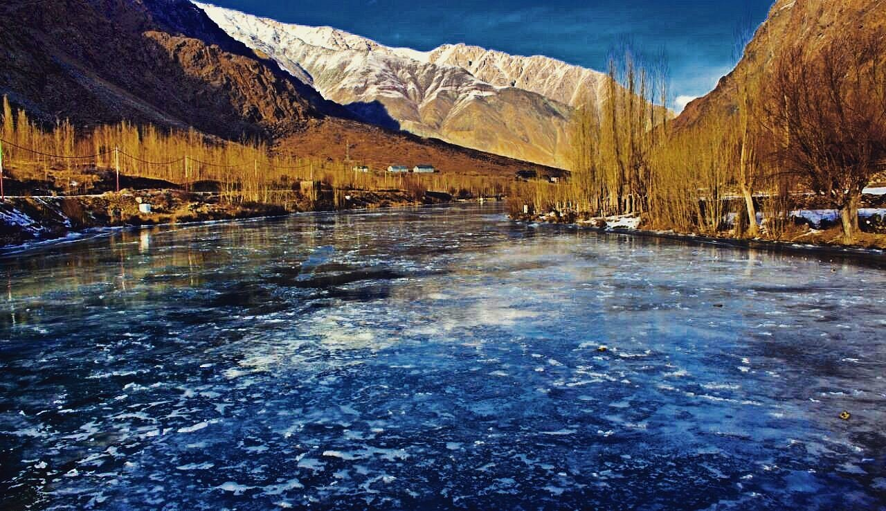 Frozen suru river winter season