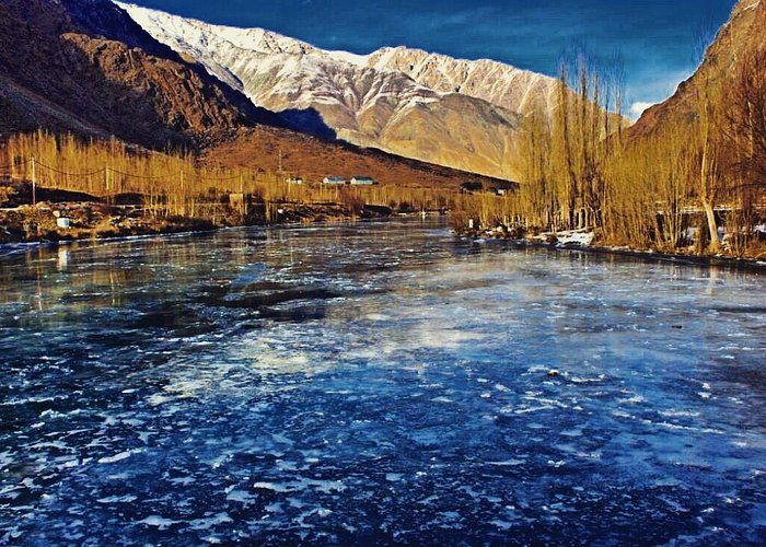 Frozen suru river winter season