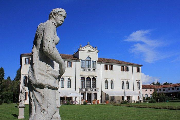 Villa Giustinian, Garten