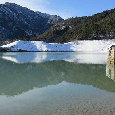 le case che emergono dall'acqua