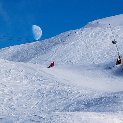 Coronet Peak is open from 8:00 am with a first tracks pass.