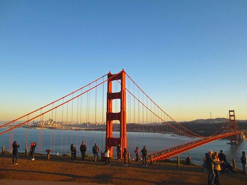 Golden gate Bridge, le Pont de la Porte d'Or entre le Pacifique et la Baie de San Francisco