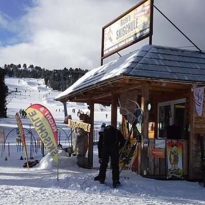 Ski school at the middle of the slope