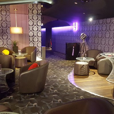 lounge area - indulge