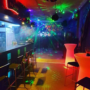 C4 Bar lounge Club