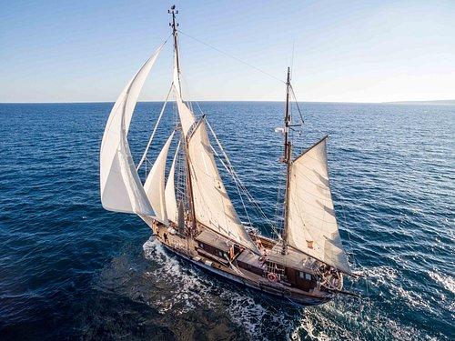 La entrañable experiencia de vivir una aventura disfrutando en el velero más antiguo.