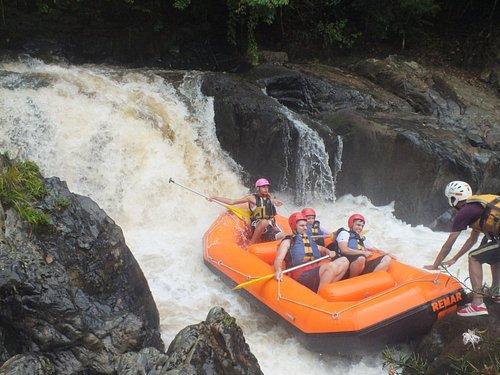 Rafting com a Explore Turismo de Aventura - Rio Turvo, Corredeira Sufoco