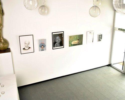 Otra vista de nuestra sala, donde vamos realizando diversas exposiciones durante todo el año.