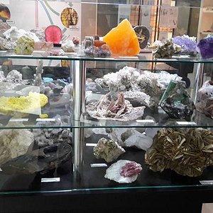 algumas pedras do museu de mineralogia