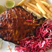 Savour the delectable spice of juicy tandoori pomfret!
