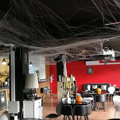 Cultural and entertainment pub/ lounge/'bar.