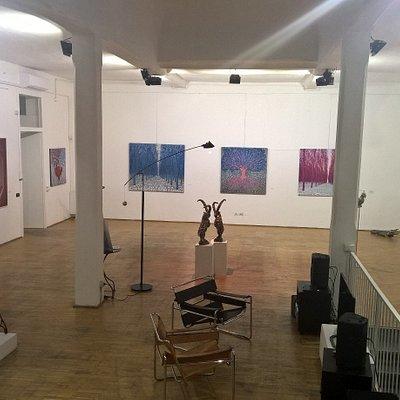 salone principale della casa museo Spazio Tadini