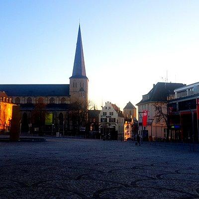 Blick auf die Hauptpfarre, St Vith und das Münster