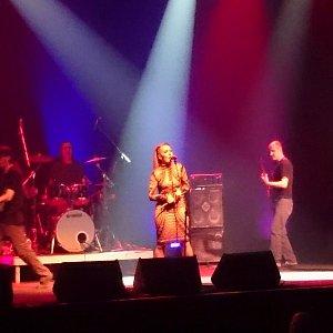 H Georgia Kefala στη συναυλία των ΜΠΛΕ στο Πειραιώς Academy