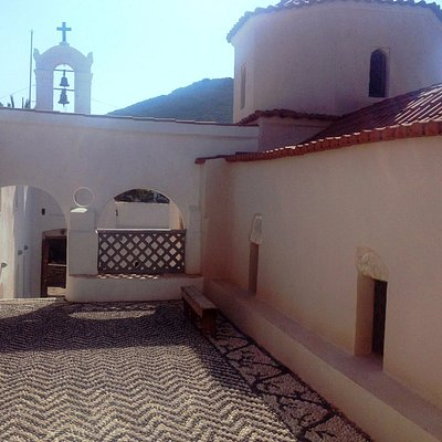 """The pebble yard in the """"Upper"""" church"""