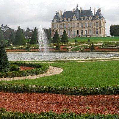 fountain & chateau