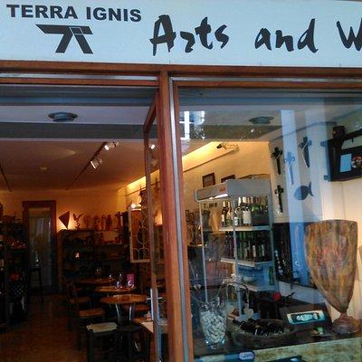 Montra- Arts and Wine Terra Ignis